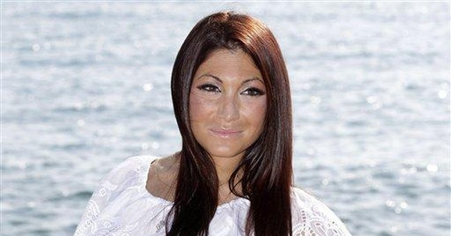 NJ police: Deena of 'Jersey Shore' impeded traffic