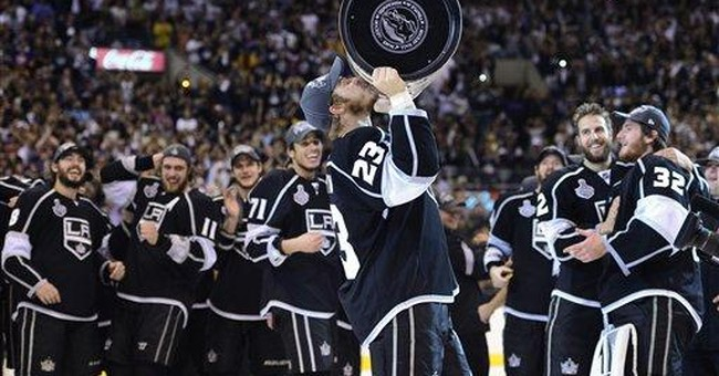 LA fans celebrate Kings' Stanley Cup victory