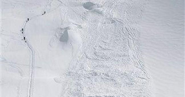 Alaska officials halt search for Japanese climbers