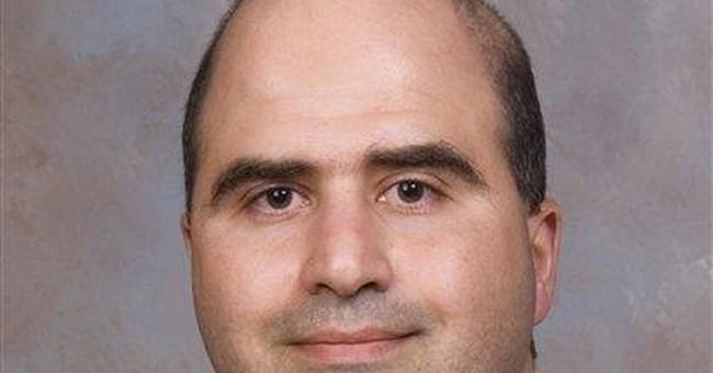 Judge considers delay in Fort Hood suspect's trial