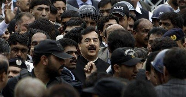 Turmoil in Pakistan after prime minister dismissed