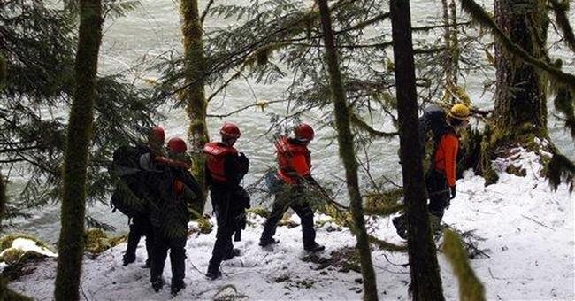 6-year-old girl missing in frigid Oregon river