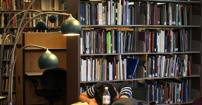 Colleges open their eyes: ZZZs are key to GPA