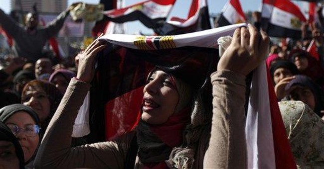 Islamists, protesters scuffle at at Egypt rally