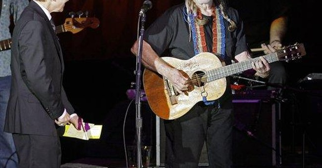 Willie Nelson campaigns for Ohio congressman