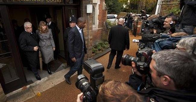 Amy Winehouse coroner resigns, family seeks advice