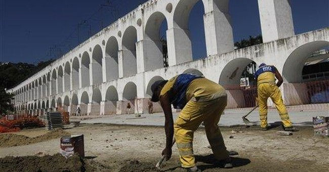 Building collapse, blasts spark worries about Rio