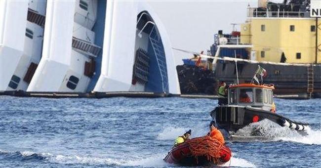 Italy: Wrecked cruise ship moves in rough seas