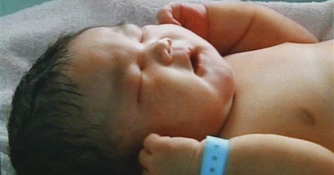 Mom in central China gives birth to 15 pound baby