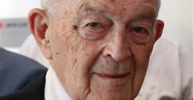 Longtime AP correspondent Carl Hartman dies
