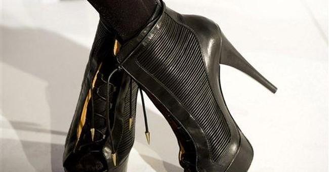 Gwen Stefani runway show inspired by '60s rock