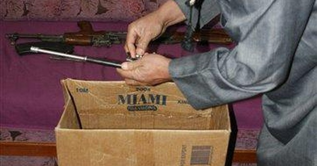 Iraqis profit from Syrian arms smuggling