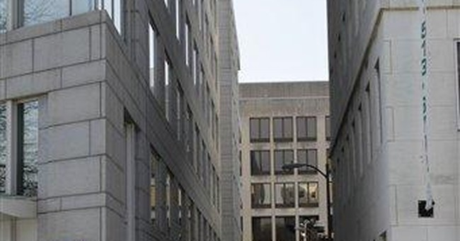 Terror suspect arrested near Capitol in FBI sting