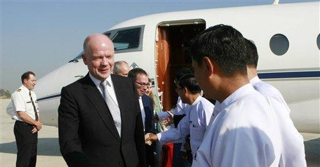 UK's Hague arrives in Myanmar to urge reforms
