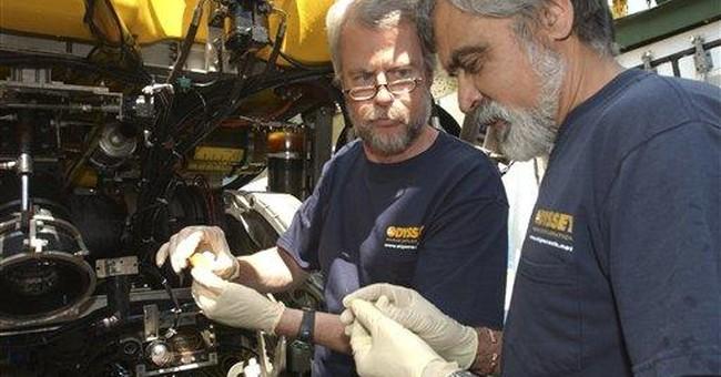 Spanish treasure to leave via US military base