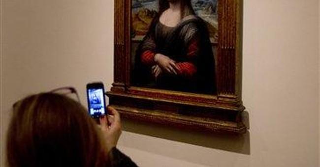 'Mona Lisa' copy draws crowds at Spain's Prado