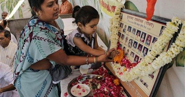Prayers mark 10th anniversary of riots in India