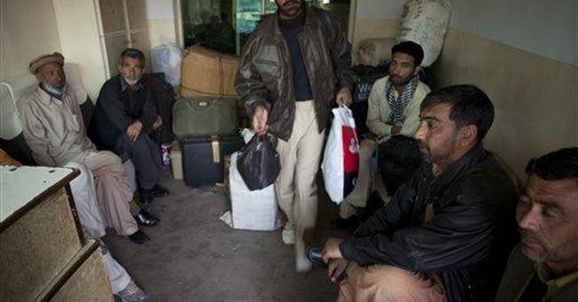 Gunmen shoot dead 16 Shiites from bus in Pakistan