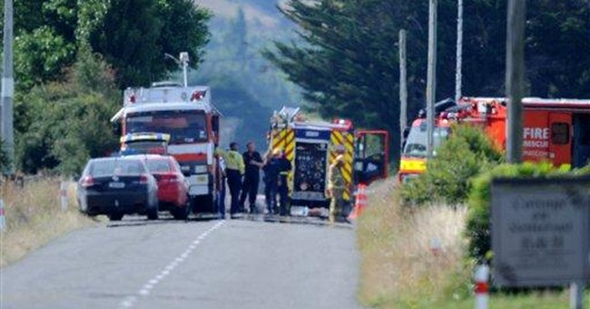 Hot air balloon hits power lines in NZ; 11 dead
