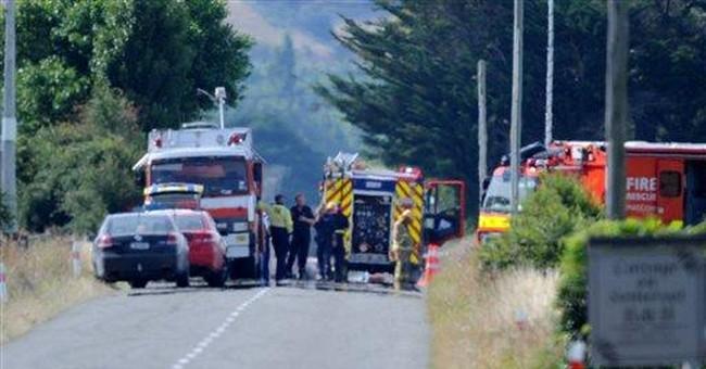 Hot air balloon hits power lines in NZ; 11 dead