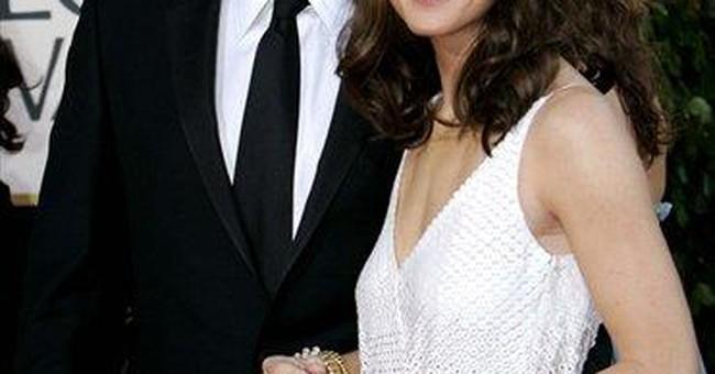 Ben Affleck announces birth of son on Facebook