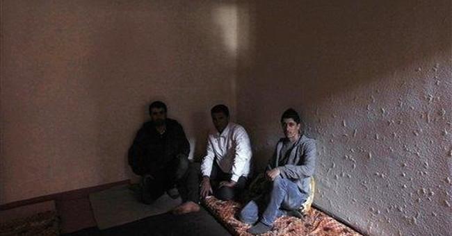 Syrian Kurds get cold reception from Iraqi Kurds