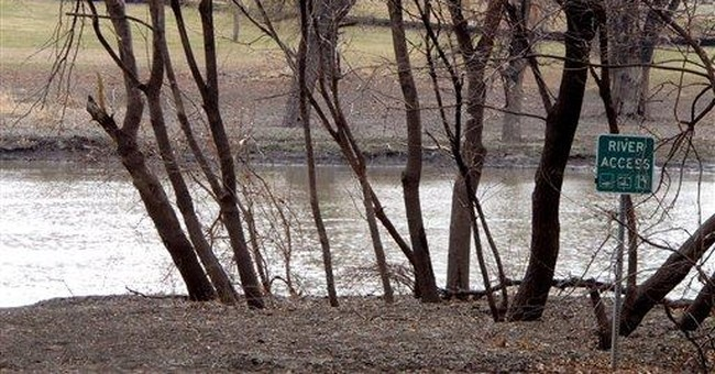 Red River crests in Fargo without flooding