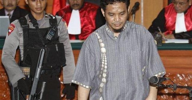 Militant denies making Bali bombs at trial