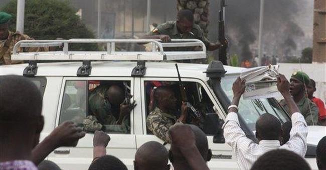 Soldiers loot Mali presidency after ousting leader
