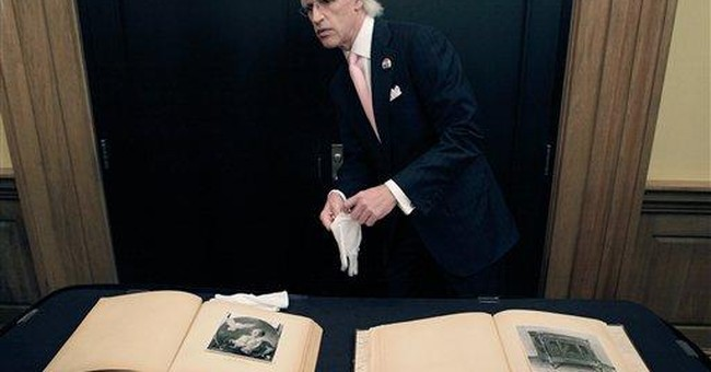 Photo albums related to Nazi art theft unveiled