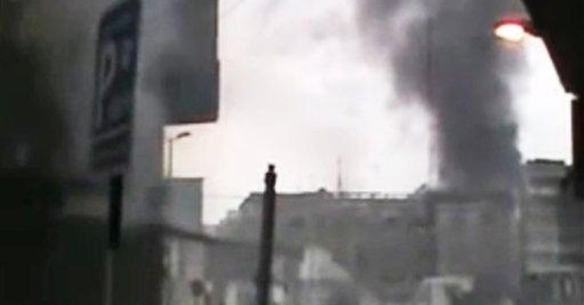 Syria clashes, protests complicate peace mission