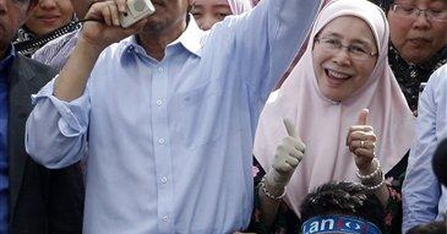 Malaysia opposition's Anwar freed of sodomy charge