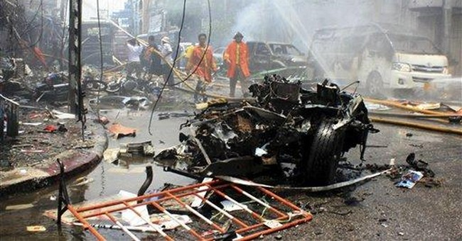 Bombs in southern Thailand kill 14, injure 340