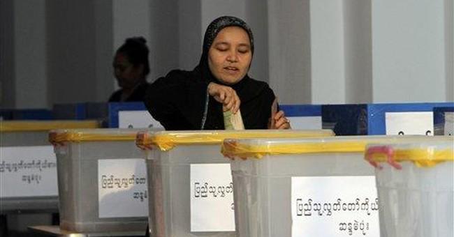 Clinton congratulates Myanmar on landmark election