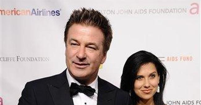 Actor Alec Baldwin engaged to marry Hilaria Thomas