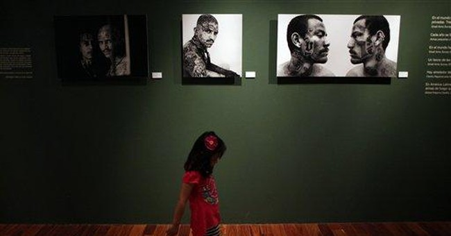 Mexican art show focuses on weapons, effects