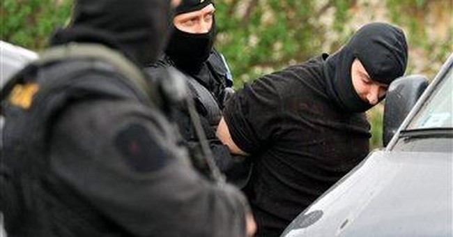 Hungarian police: Man fatally hacks 4 relatives