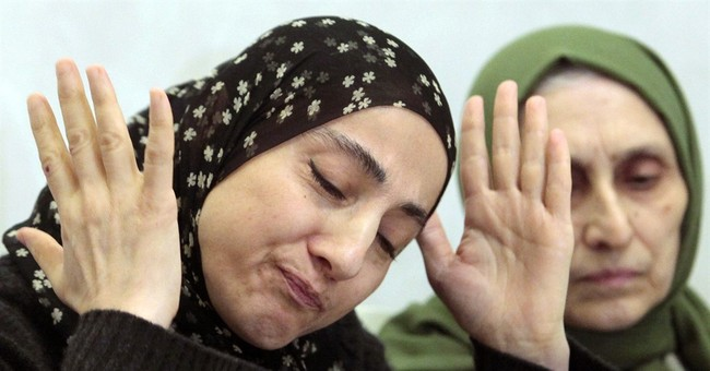 Boston bombing suspects' mom in terror database
