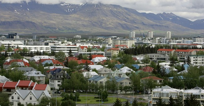 NSA leaker could be latest to seek help in Iceland
