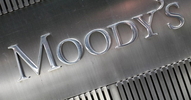 Moody's upgrades outlook for US government debt