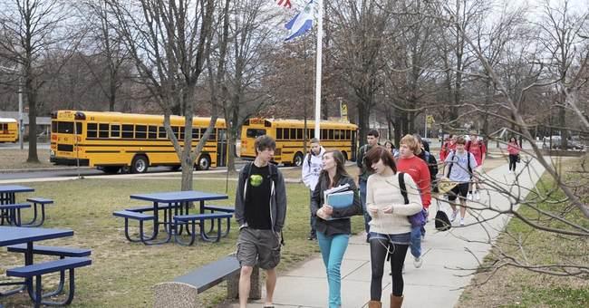 Starting high school later may help sleepy teens