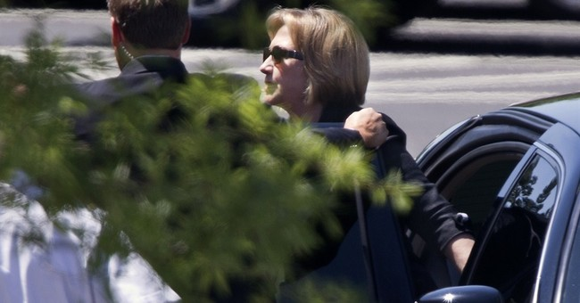 Obama, Clinton meet for lunch, sparking 2016 buzz