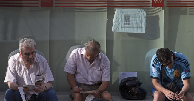 Spain's jobless figure drops 5th month in a row