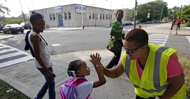 Guards help escort Chicago kids to new schools