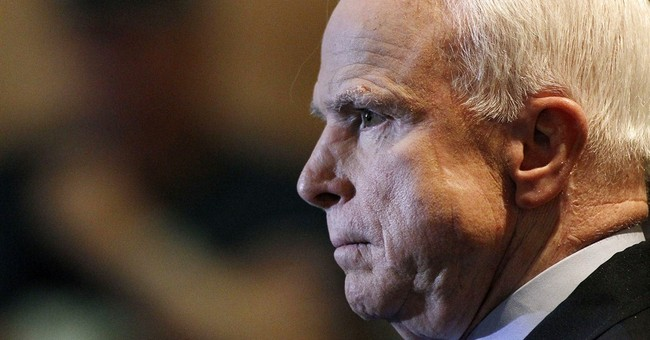 Crowd at McCain town hall opposes Syria action