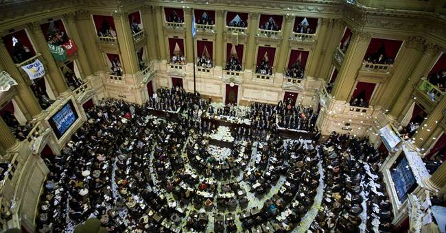 Argentina approves new sovereign debt swap
