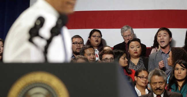 Advocates press Obama for fewer deportations