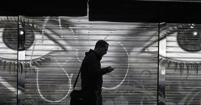 Report: NSA tracks billions of cellphones daily