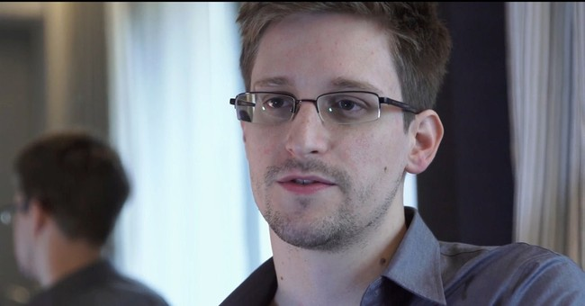 Snowden: NSA's indiscriminate spying 'collapsing'