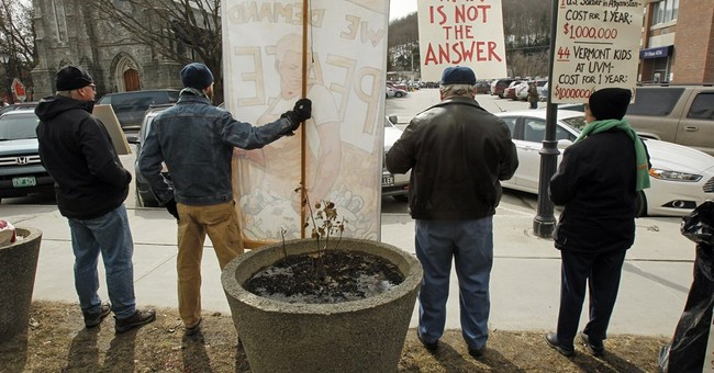 US pockets of protest persist after years of war